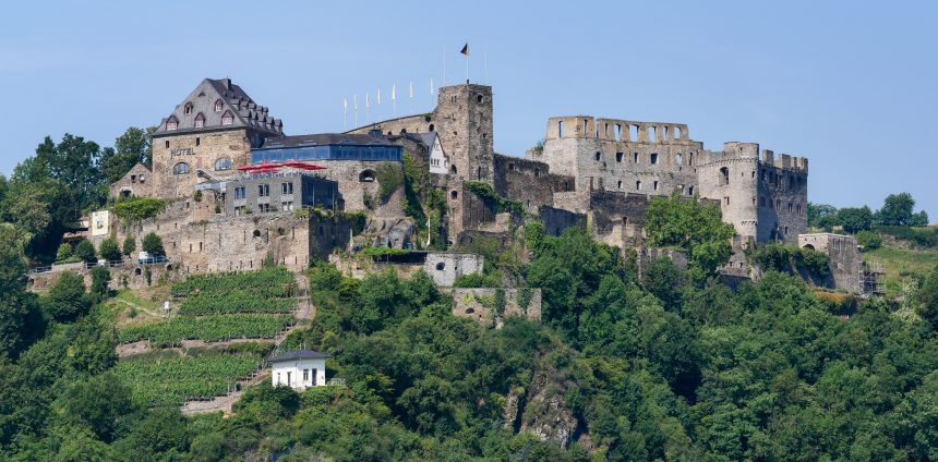 Burg Rheinfels. (Foto: Rainer Lippert - CC BY-SA 3.0, https://commons.wikimedia.org/w/index.php?curid=34478549)