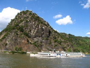 Die Loreley soll ein stärkerer Besuchermagnet im Mittelrheintal werden. (Foto: Dirk Schmidt, https://creativecommons.org/licenses/by-sa/3.0/deed.en)