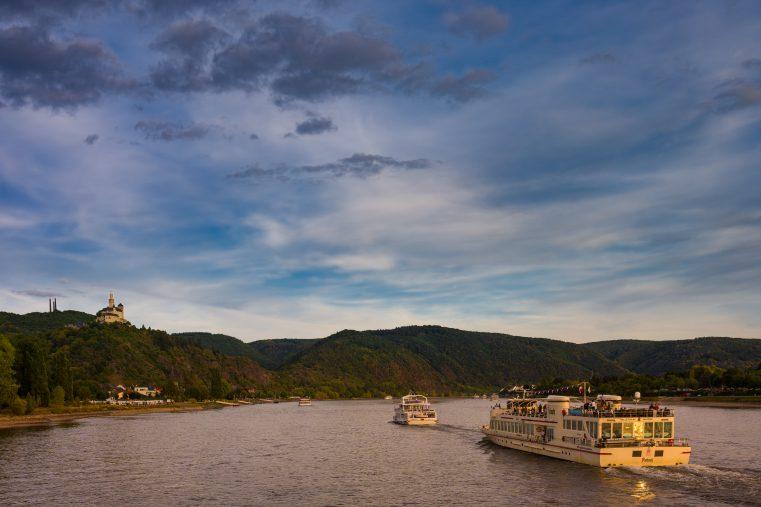 Touristenschiffe auf dem Rhein: Die Strukturen im Weltkulturerbe Oberes Mittelrheintal sollen durch die BUGA 2029 einen Schub bekommen. (Foto: Herbert Piel)