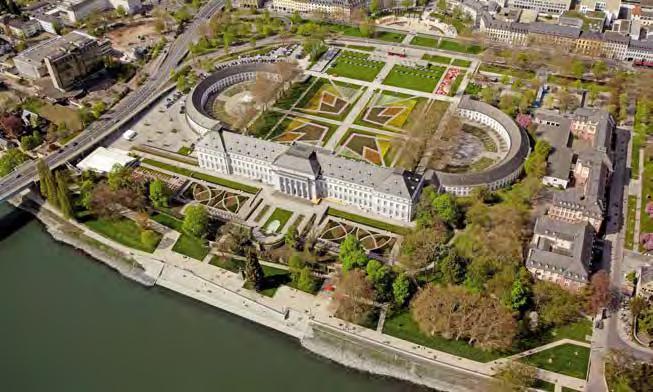 Luftbild der Schlossanlage der Kurfürstlichen Residenz während der Bundesgartenschau 2011. (Foto Thomas Frey, Fotografie + Video)