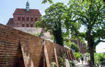 BUGA Havelregion 2015: Bepflanzung an der sanierten Stadtmauer. (Foto: DBG)